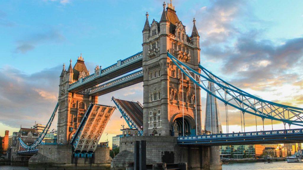 Pasaporte para entrar en el Reino Unido